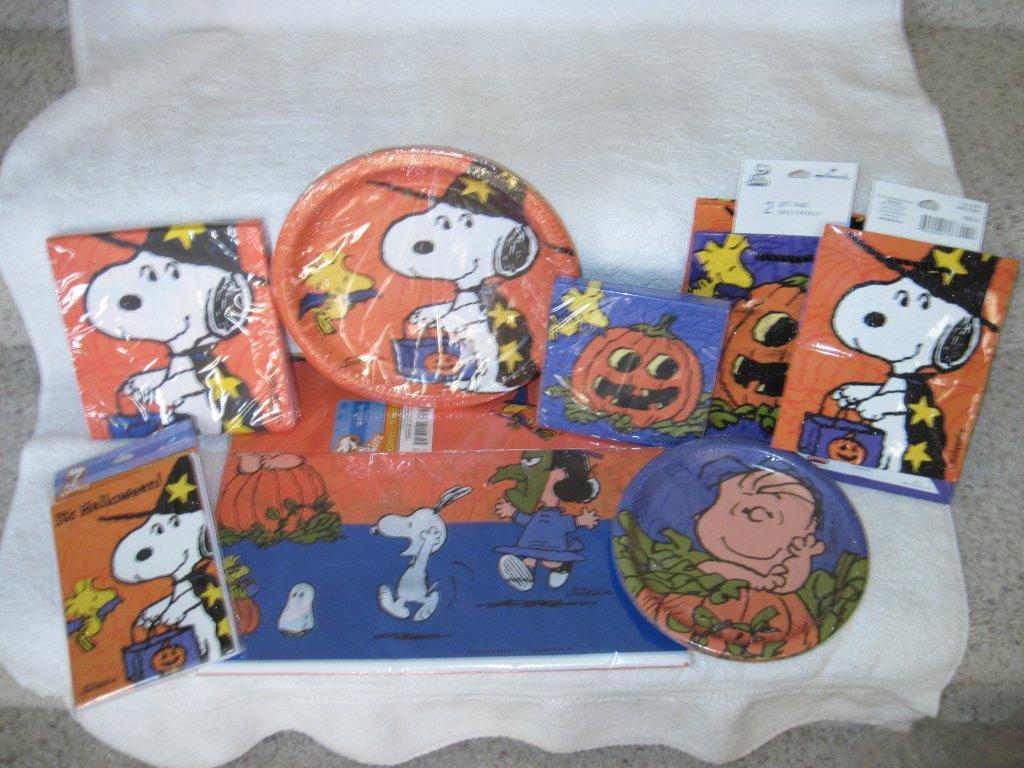 Snoopy Hallmark Items